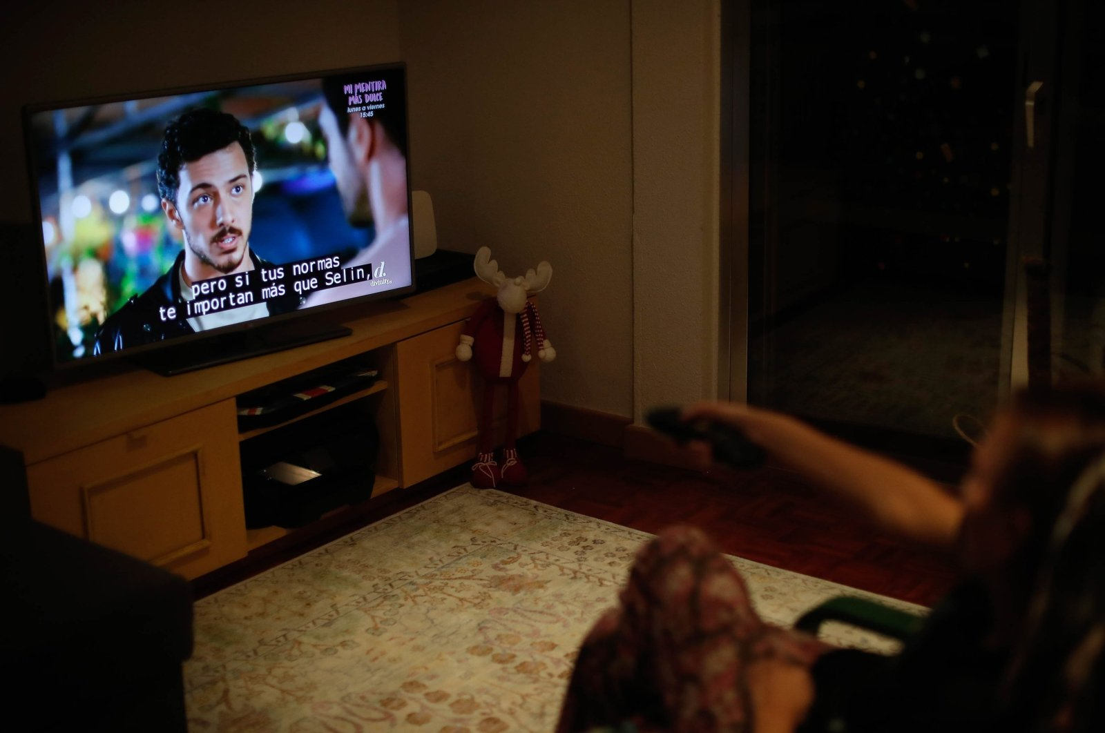 A Turkish series plays on a Spanish TV channel with Spanish subtitles, Oct. 8, 2020. (AA Photo)