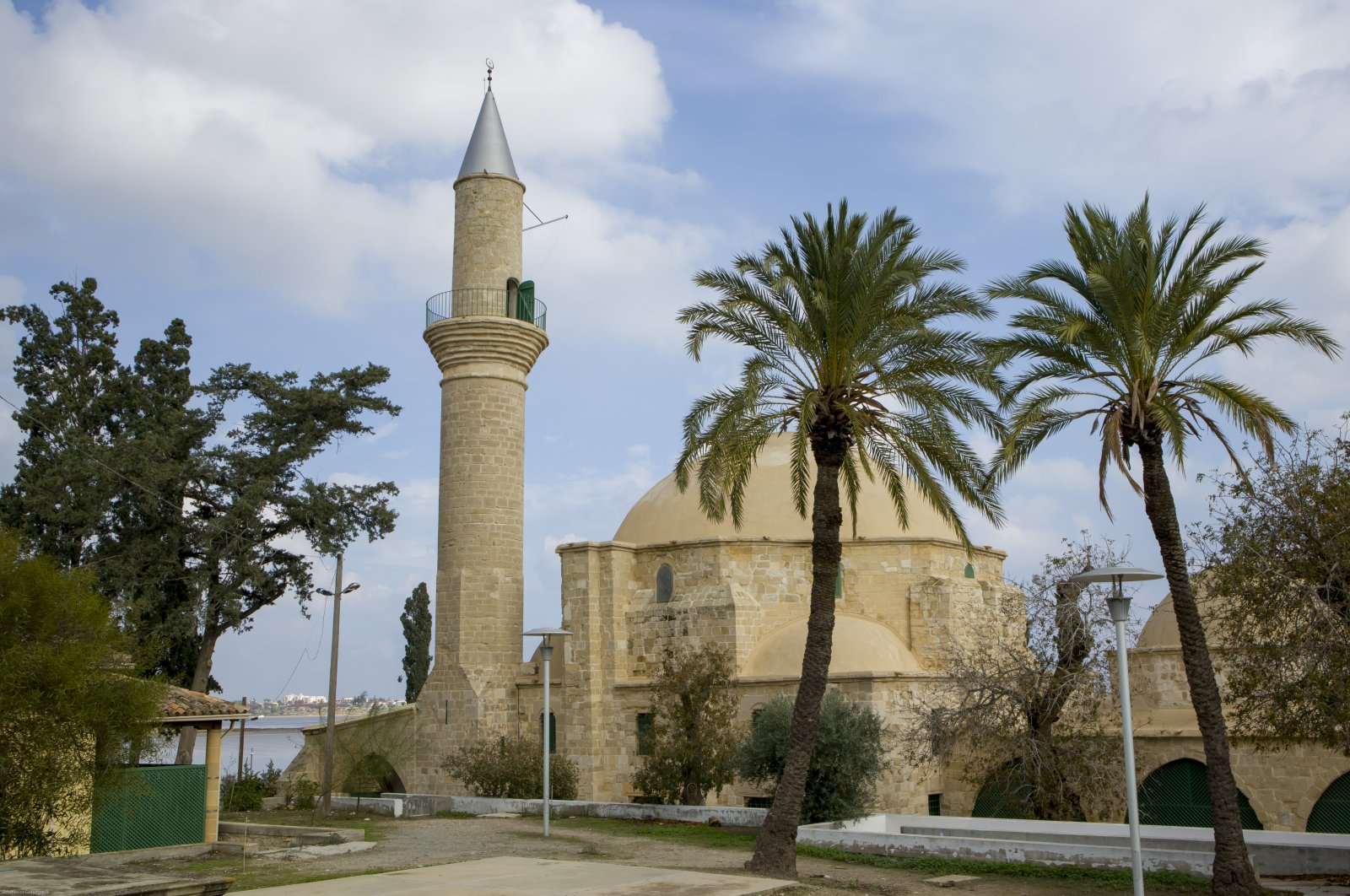 Hala Sultan Tekke or the Mosque of Umm Haram is seen in Larnaca, the Greek Cypriot administration, Dec. 3, 2018. (Getty Images)