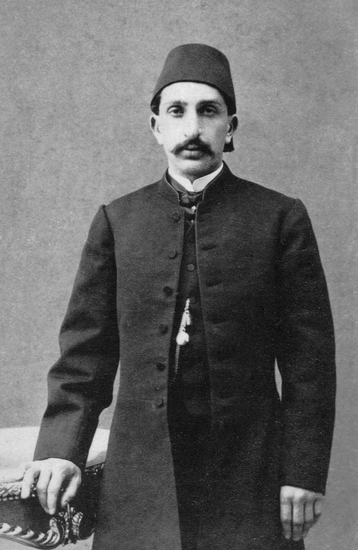 A portrait of Sultan Abdülhamid II, taken in 1868 when he was a prince. (Archive Photo)