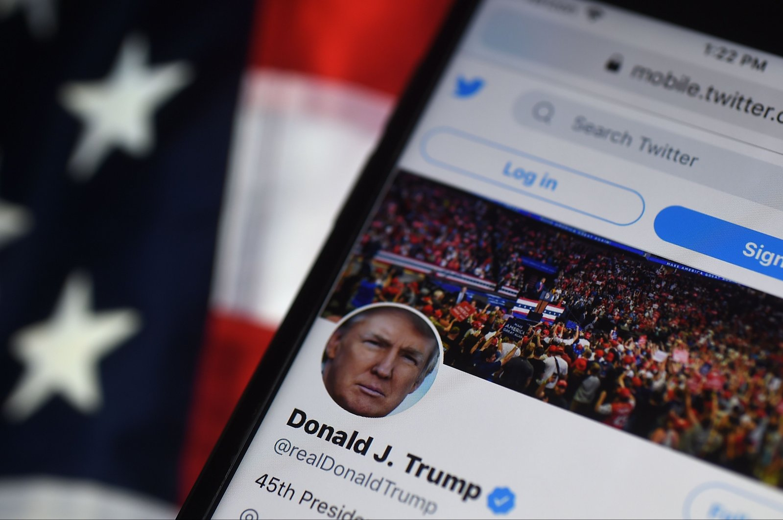In this photo illustration, the Twitter account of U.S. President Donald Trump is displayed on a mobile phone on Aug.10, 2020, in Arlington, Virginia. (AFP)