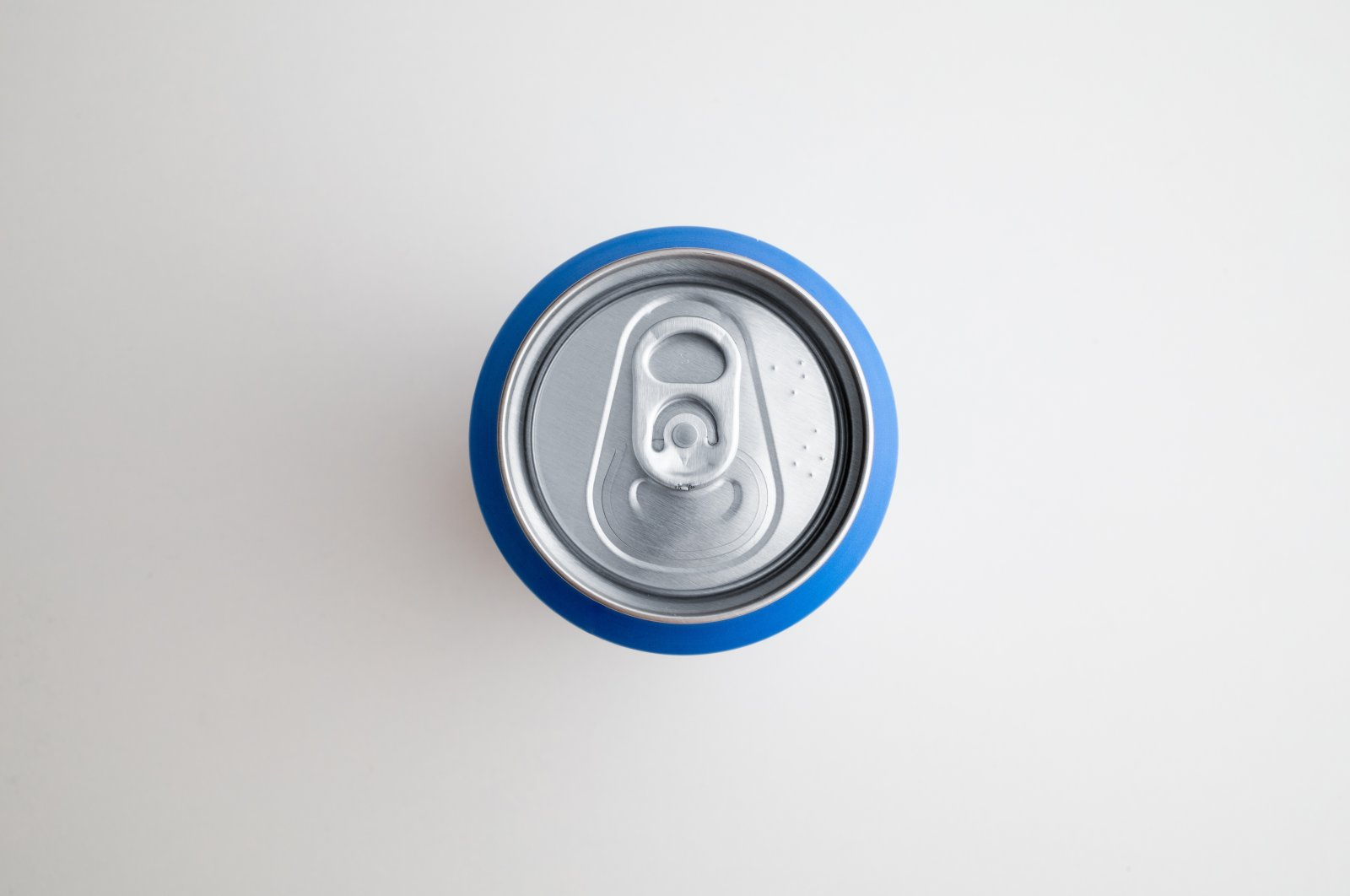 A top view of an aluminum soda can. (Shutterstock Photo)