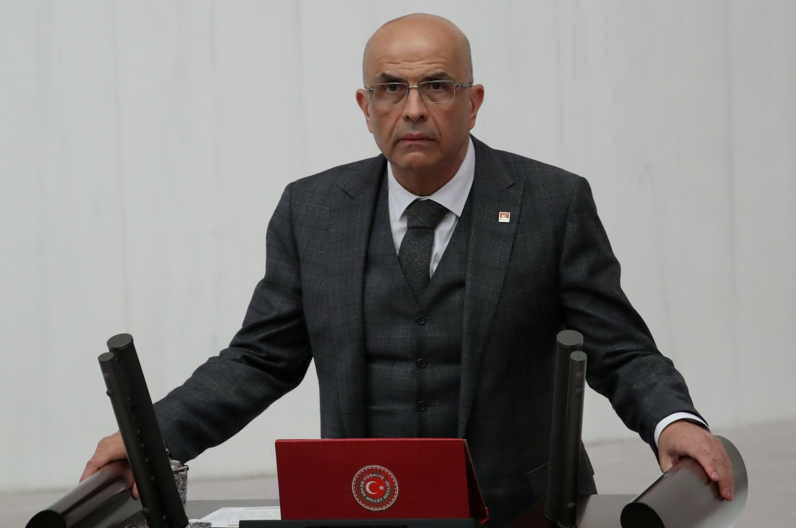 Enis Berberoğlu, a deputy from the main opposition Republican People's Party (CHP), takes his oath at the Turkish Parliament in the capital Ankara, Turkey, Oct. 1, 2018. (Reuters Photo)