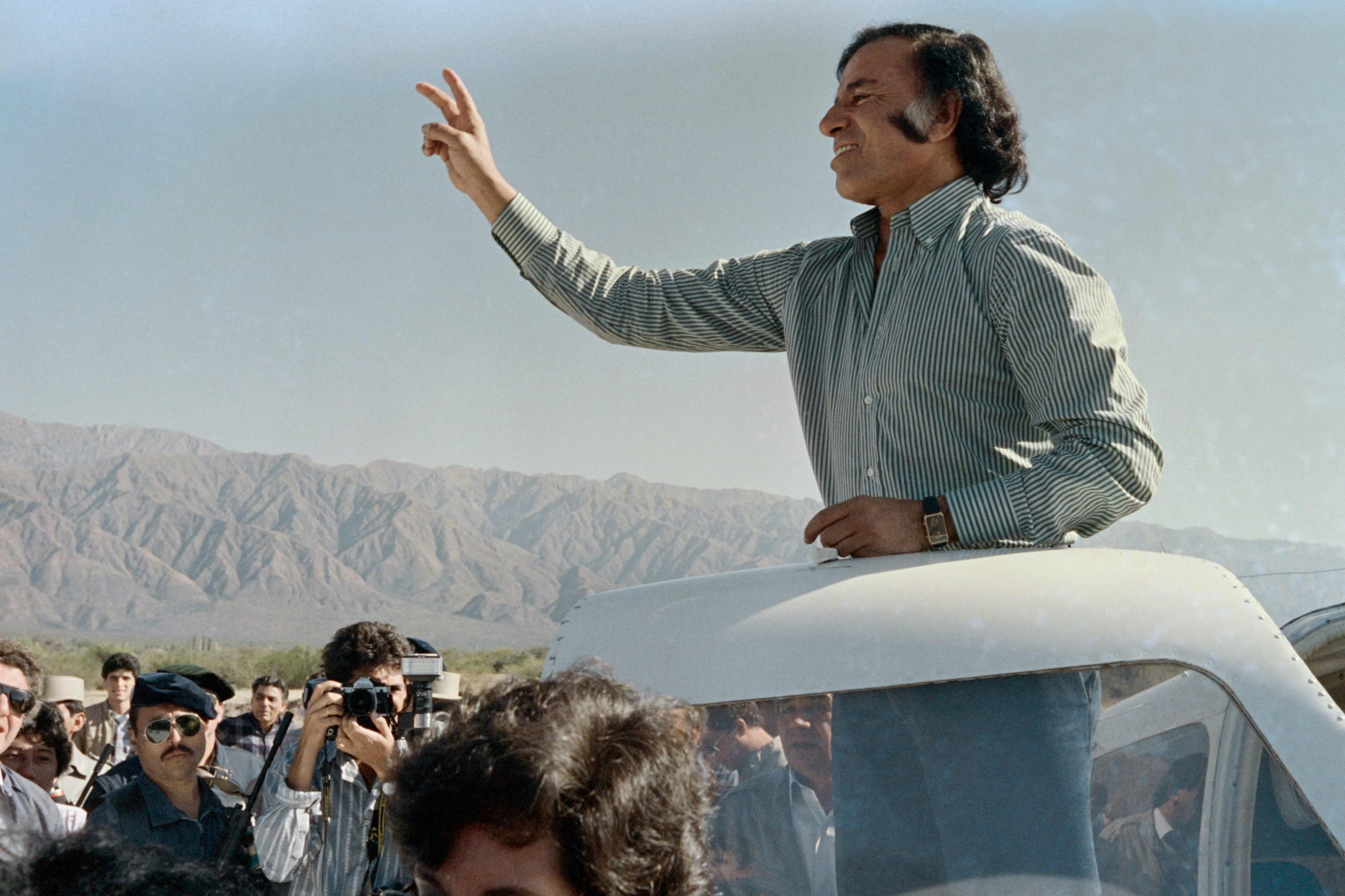 In this file photo taken on May 14, 1989, opposition presidential candidate Carlos Menem of the Peronist Justicialist