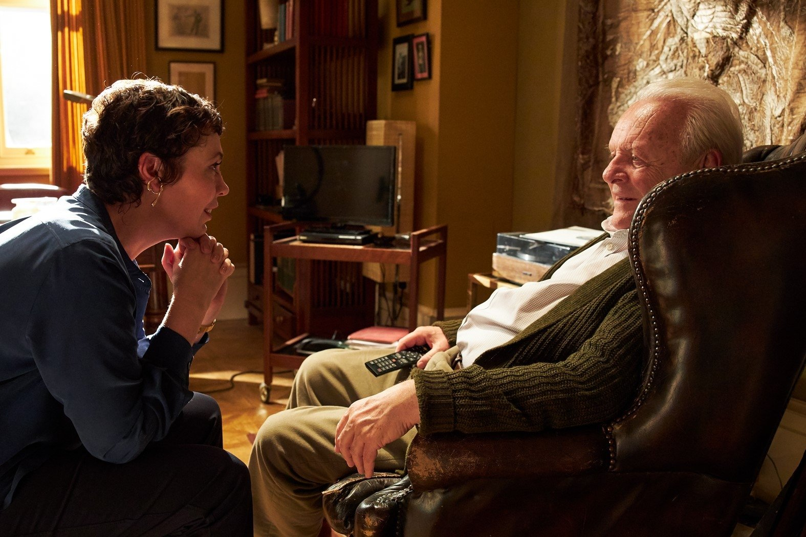 """Olivia Colman (L) and Anthony Hopkins in a scene from """"The Father."""""""