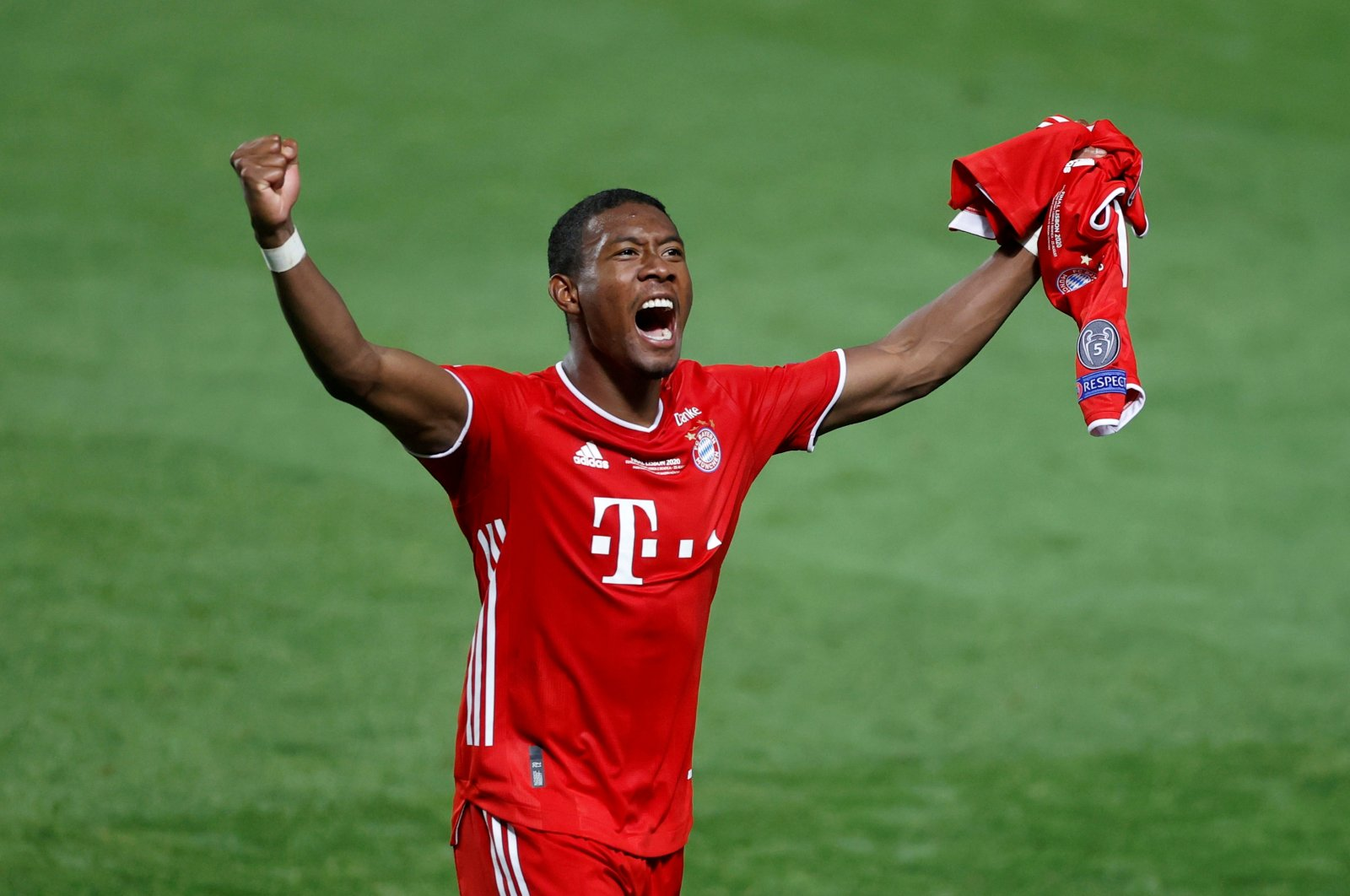 Bayern Munich's David Alaba celebrates after winning the Champions League in Estadio da Luz, Lisbon, Portugal on Aug. 23, 2020. (Reuters Photo)