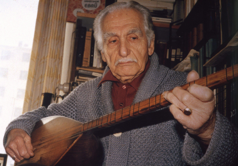 Sadi Yaver Ataman performed folk songs with his baglama in the presence of Mustafa Kemal Atatürk. (Archive Photo)