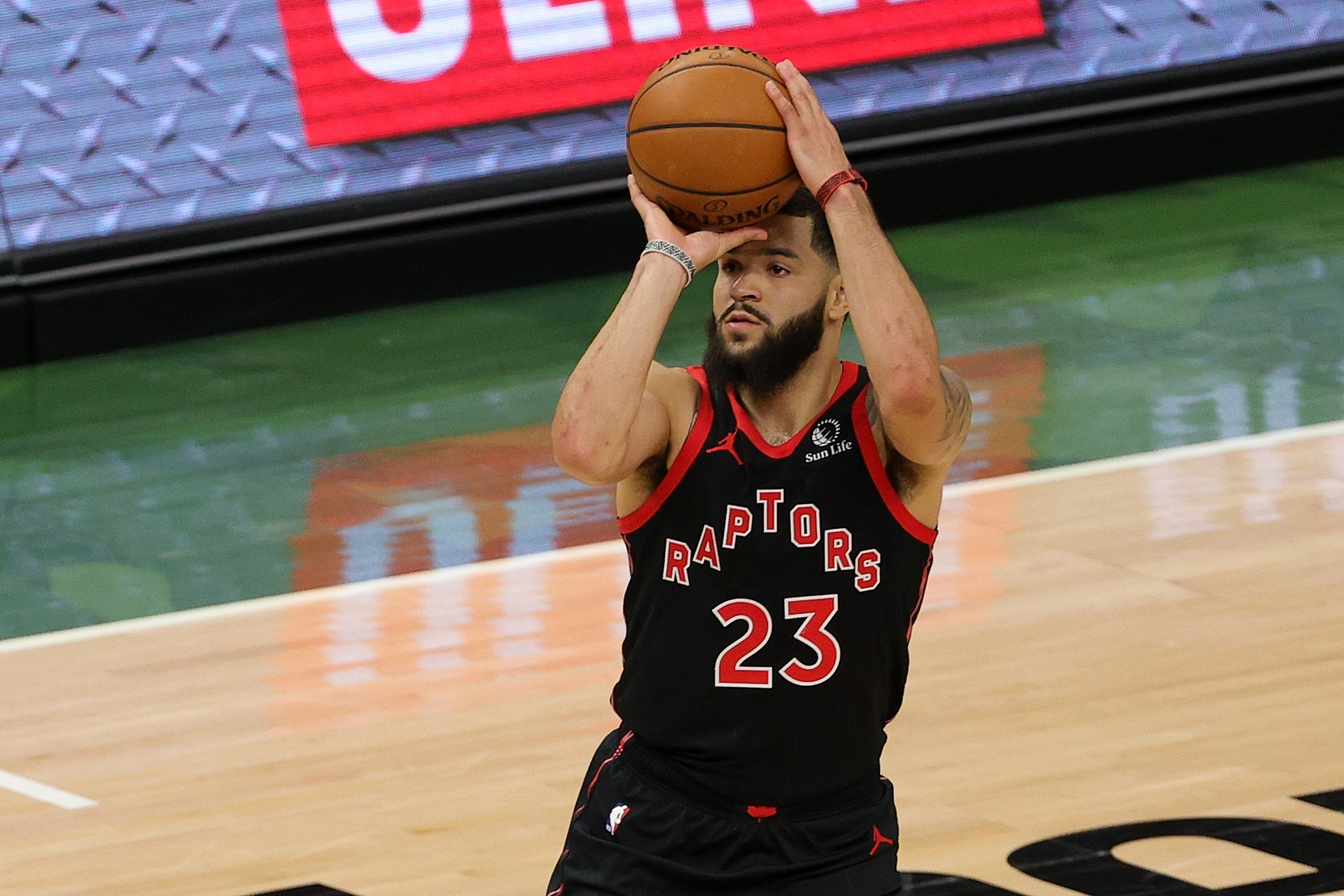 Toronto Raptors Fred VanVleet takes a shot during the first half of a game against the Milwaukee Bucks at Fiserv Forum, Milwaukee, Wisconsin, Feb. 16, 2021. (AFP Photo)