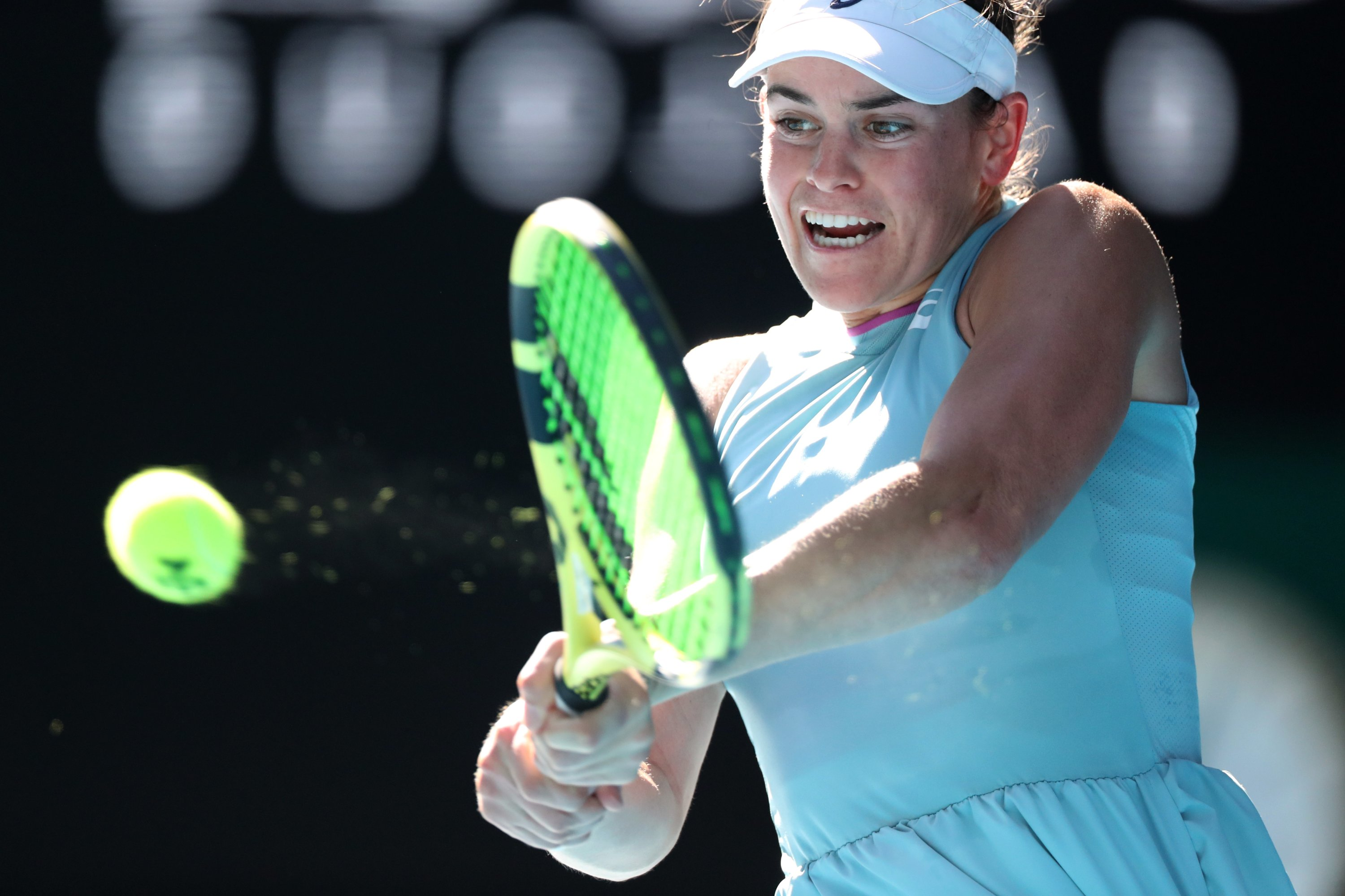 U.S.' Jennifer Brady in action against Czech Republic's Karolina Muchova during their Australian Open women's singles semifinal in Melbourne, Australia, Feb. 18, 2021. (Reuters Photo)