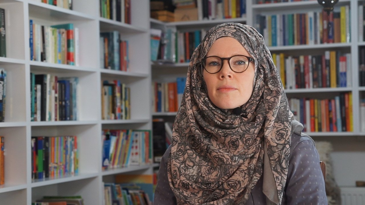 Jenny Molendyk Divleli, a Canadian sign language English teacher who converted to Islam in 2006, has been living in Istanbul since 2012. (AA Photo)
