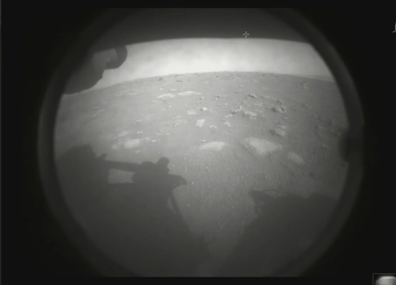 The first image sent by NASA's Perseverance rover (Twitter / NASAPersevere)