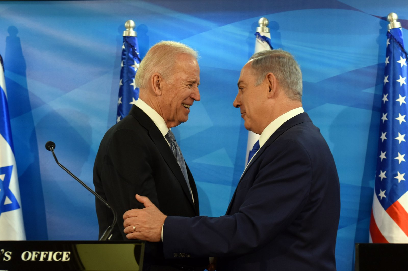 U.S. Vice President Joe Biden and Israeli Prime Minister Benjamin Netanyahu shake hands while giving joint statements at the prime minister's office in Jerusalem, March 9, 2016. (AFP Photo)