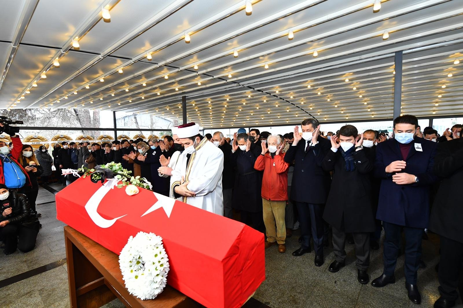 The funeral of Doğan Cüceloğlu at Levent Afet Yolal Mosque in Istanbul, Turkey, Feb. 17, 2021. (Photo by Mustafa Kaya)