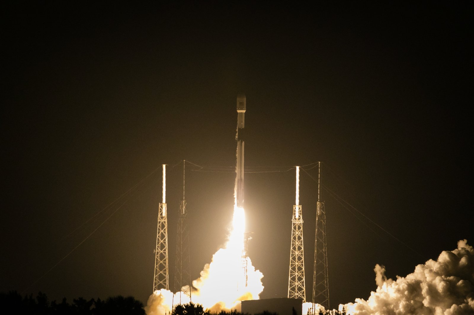 The launching of Turkey's Türksat 5A satellite by Space X, in Cape Canaveral, Florida, U.S., Jan. 26, 2021. (AA Photo)