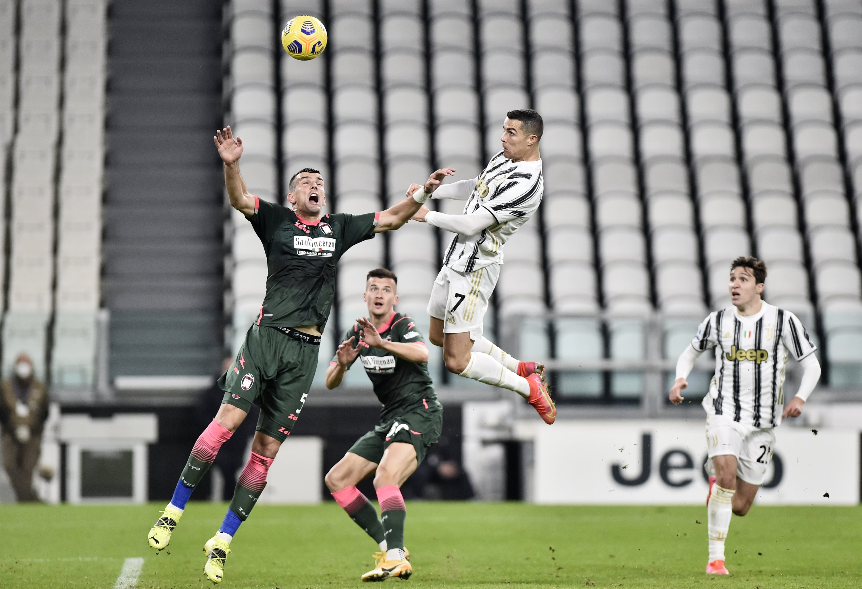 Juventus goes third with Ronaldo double | Daily Sabah