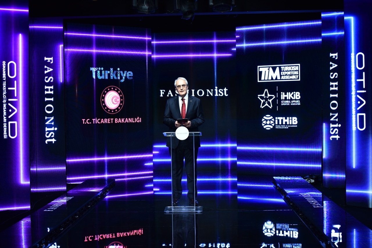 Osmanbey Textile Export Businessmen Foundation (OTIAD) chairperson Rıdvan Kandağ speaks at the launch event of the Fashionist Virtual Fashion and Apparel Fair. (Courtesy of ZB Medya / Fashionist)