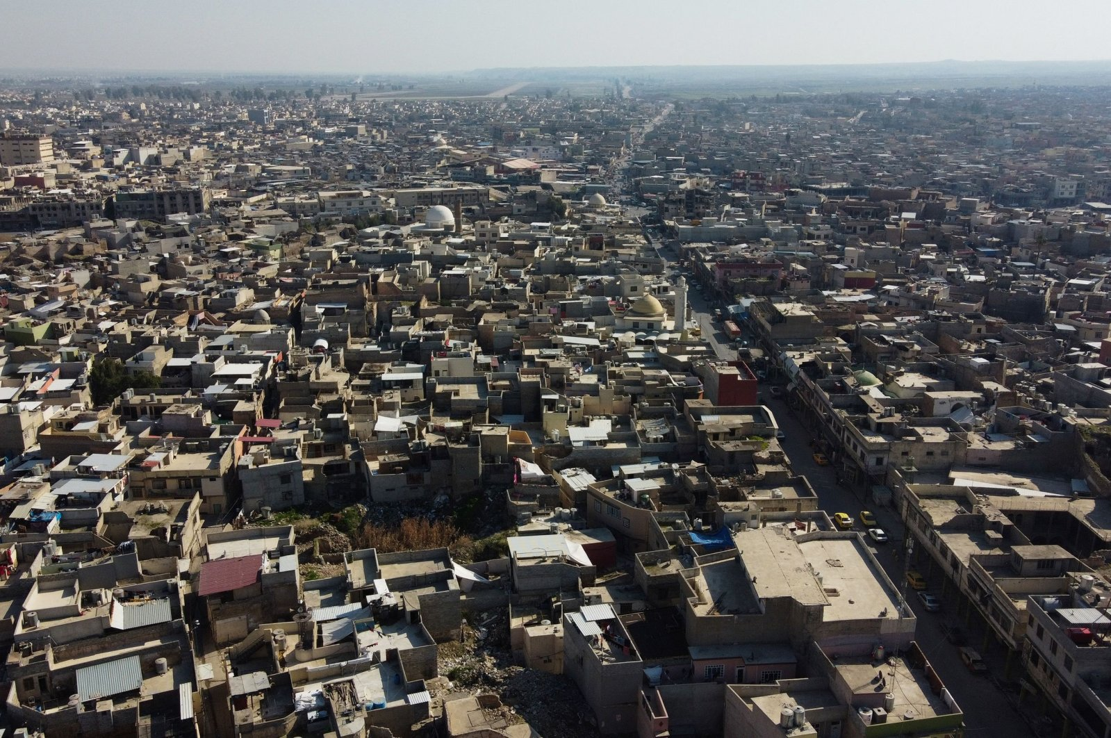 An aerial view shows Iraq's northern city of Mosul, the regional capital of the northern province of Nineveh, which was controlled by Daesh between 2014 and 2017 on Feb. 13, 2021. (AFP Photo)