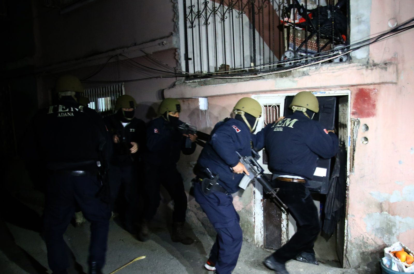 Turkish counterterrorism police squads raid a Daesh terrorist cell in southern Adana province, Turkey, Feb. 18, 2021. (AA File Photo)