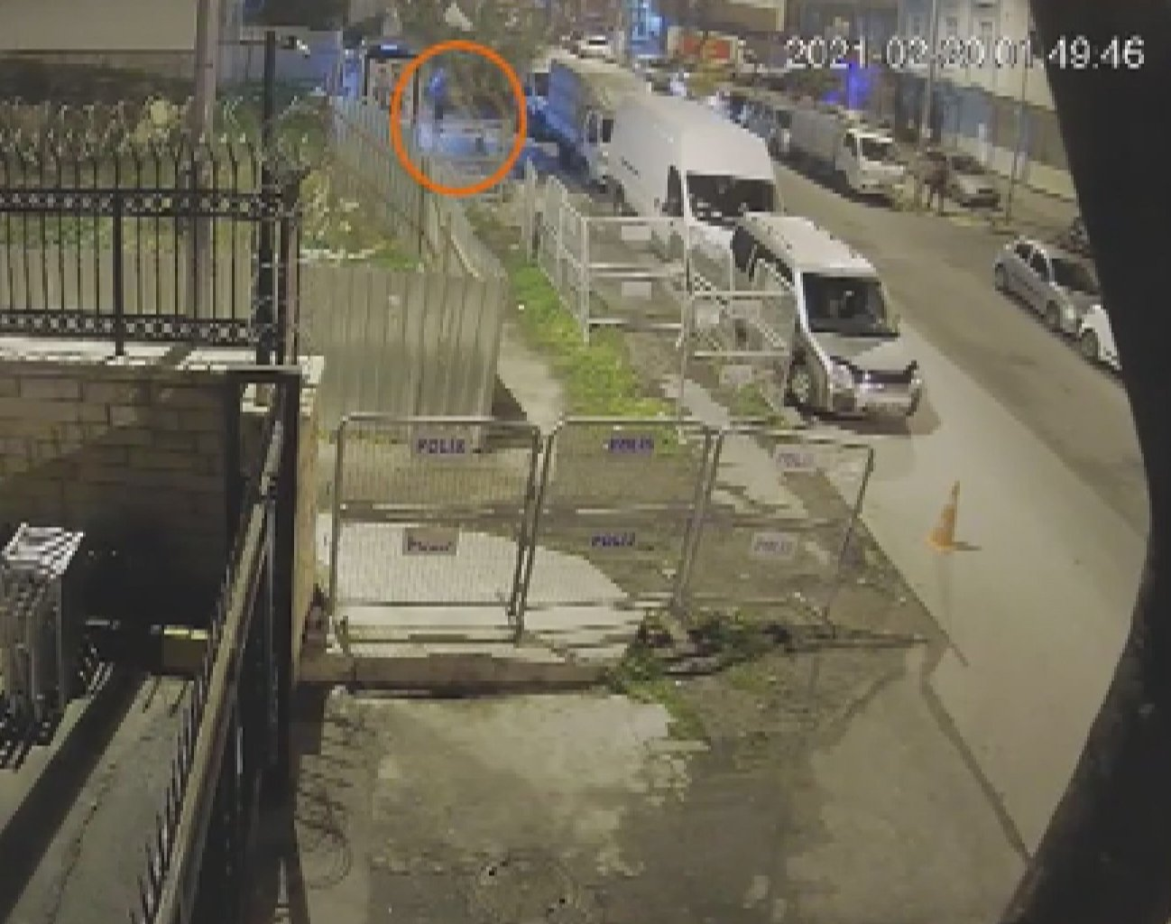 Security camera footage showing Daesh terrorist spying on the command post in Istanbul's Yenibosna district on Feb. 25, 2021 (DHA Photo)
