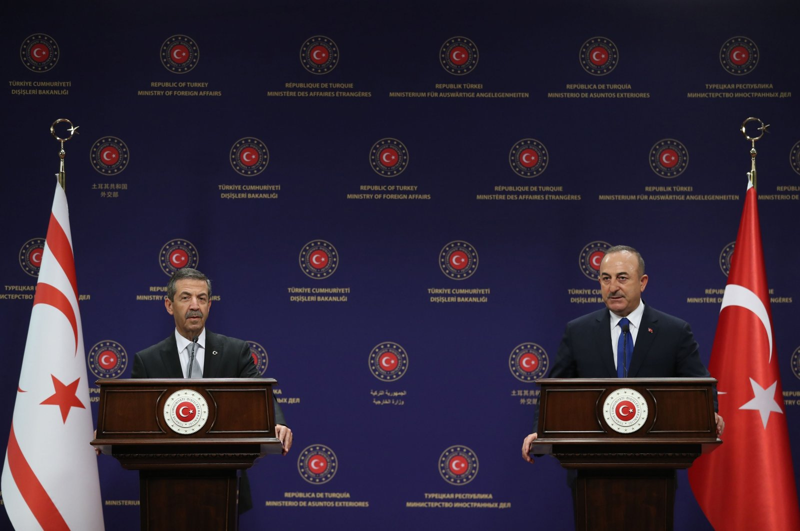 Turkish Cypriot Foreign Affairs Minister Tahsin Ertuğruloğlu (L) and Turkish Foreign Minister Mevlüt Çavuşoğlu hold a joint news conference after their meeting in Ankara, Turkey, Jan. 11, 2021. (AFP File Photo)