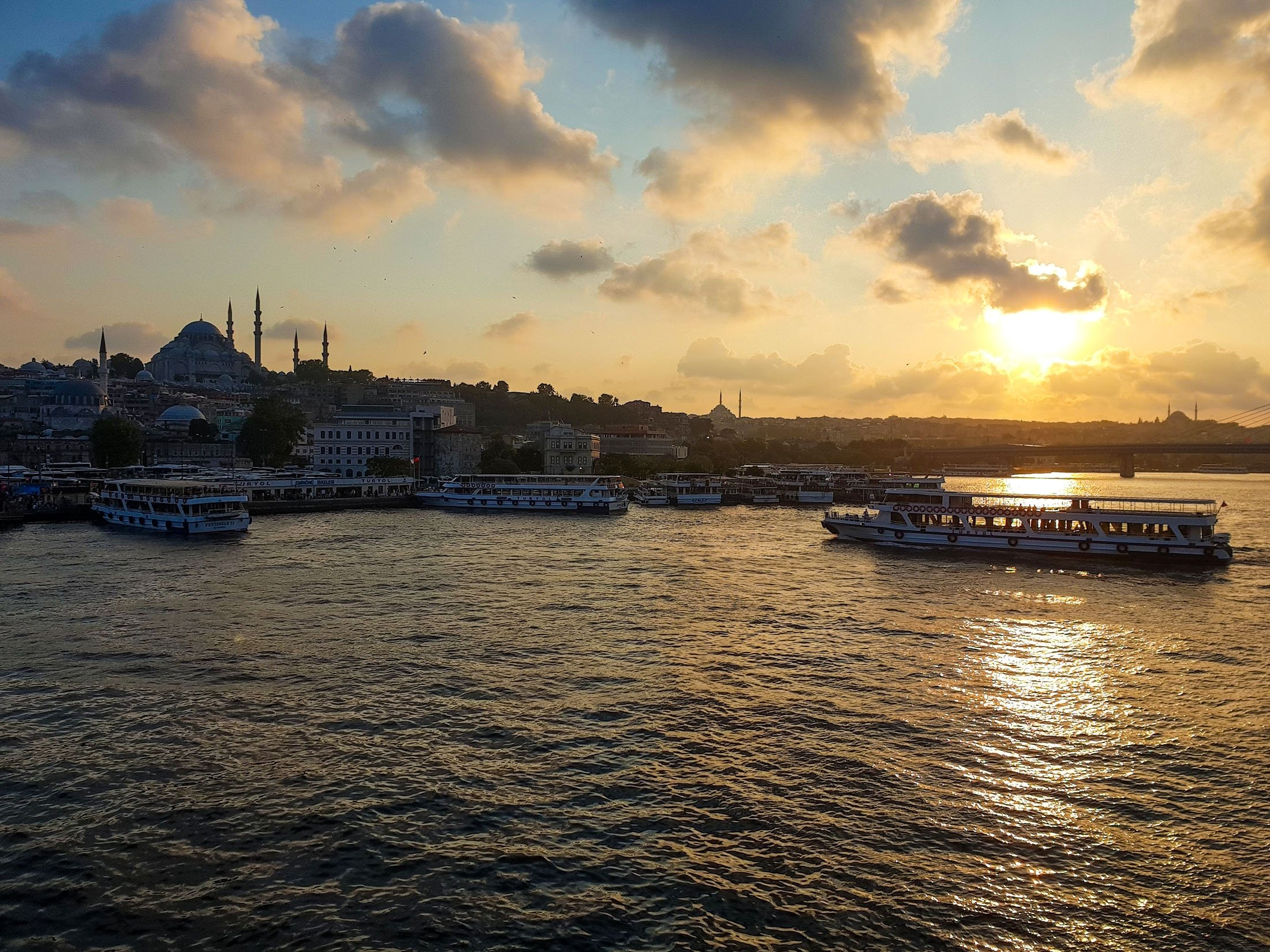 Sunset at the historic peninsula of Istanbul. (Photo by Argun Konuk)