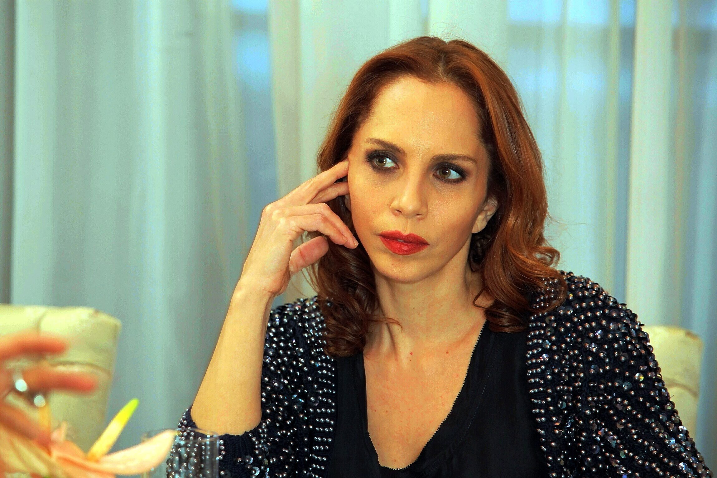 Sertab Erener sits for an interview in Istanbul. (Photo by Erkan Sevenler)