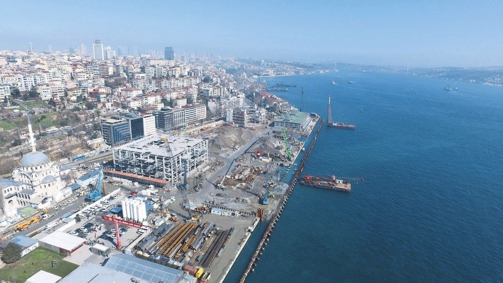 The Galataport project's construction site located in the area that connects two of Istanbul's historical districts, Karaköy and Tophane, Istanbul, Turkey, April 3, 2017. (DHA Photo)