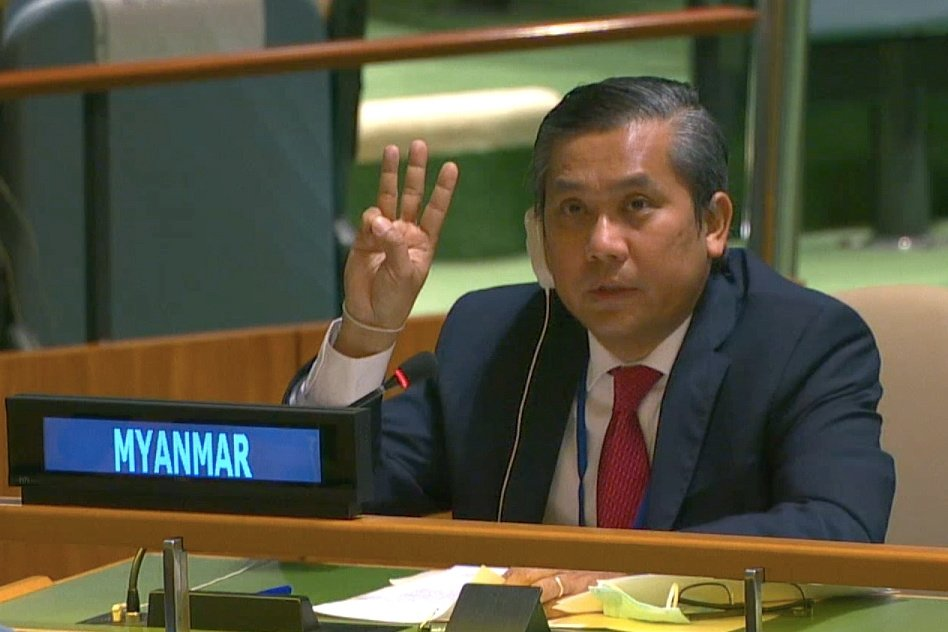 Myanmar's ambassador to the United Nations Kyaw Moe Tun holds up three fingers at the end of his speech to the General Assembly where he pleaded for International action in overturning the military coup in his country as seen in this still image taken from a video, in the Manhattan borough of New York City, New York, U.S., Feb. 26, 2021. (United Nations TV/Handout via Reuters)