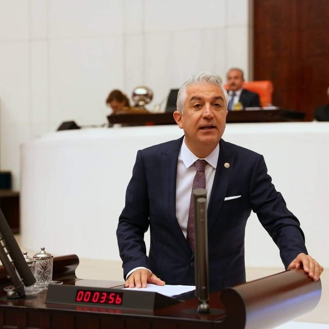 CHP Denizli Deputy Teoman Sancar speaks at the Turkish Parliament in this undated photo at the Turkish Parliament. (IHA File Photo)