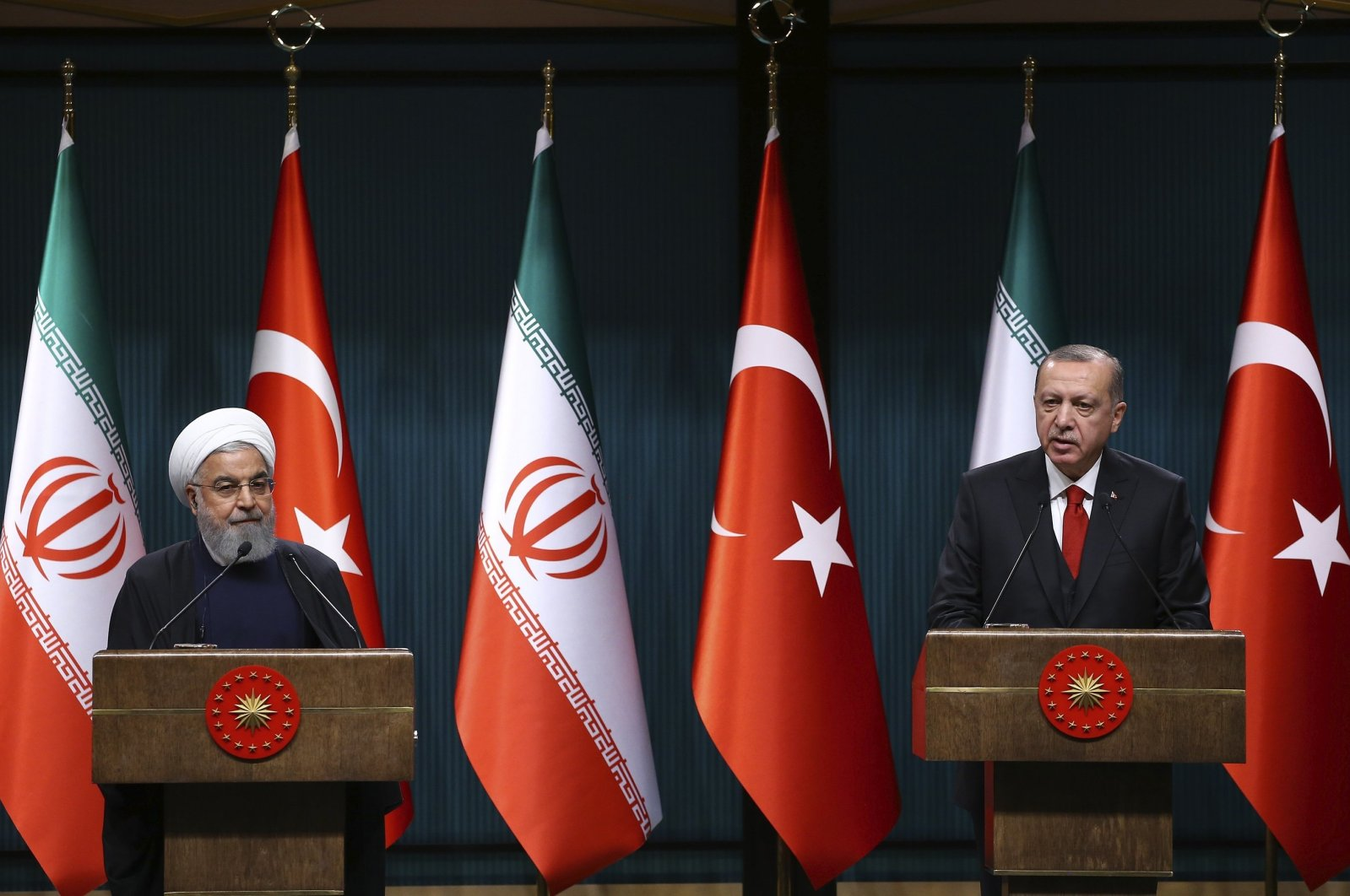 President Recep Tayyip Erdoğan (R) and his Iranian counterpart Hassan Rouhani hold a joint press conference in capital Ankara, Turkey, Dec.21, 2018. (AA)