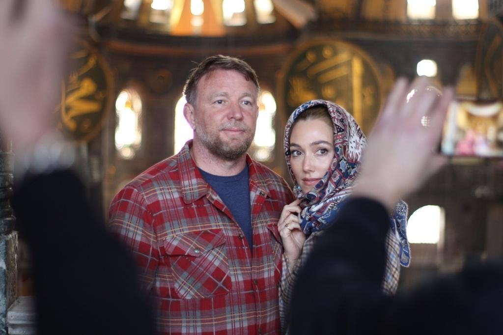 Guy Ritchie (L) with his wife Jacqui Ainsley in the Hagia Sophia Grand Mosque, Istanbul, Turkey, Feb. 28, 2021. (AA PHOTO)