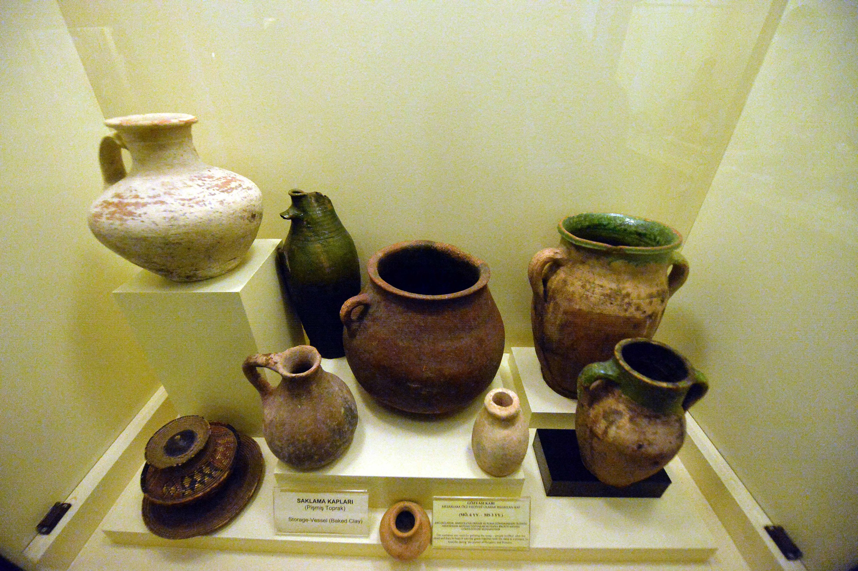 24 Şubat 2021 Safran kentinden çıkarılan tarihi eserler, Türkiye'nin kuzeyindeki Karabağ'daki Safranpole Tarih Müzesi'nde sergileniyor.  (AA FOTOĞRAF)