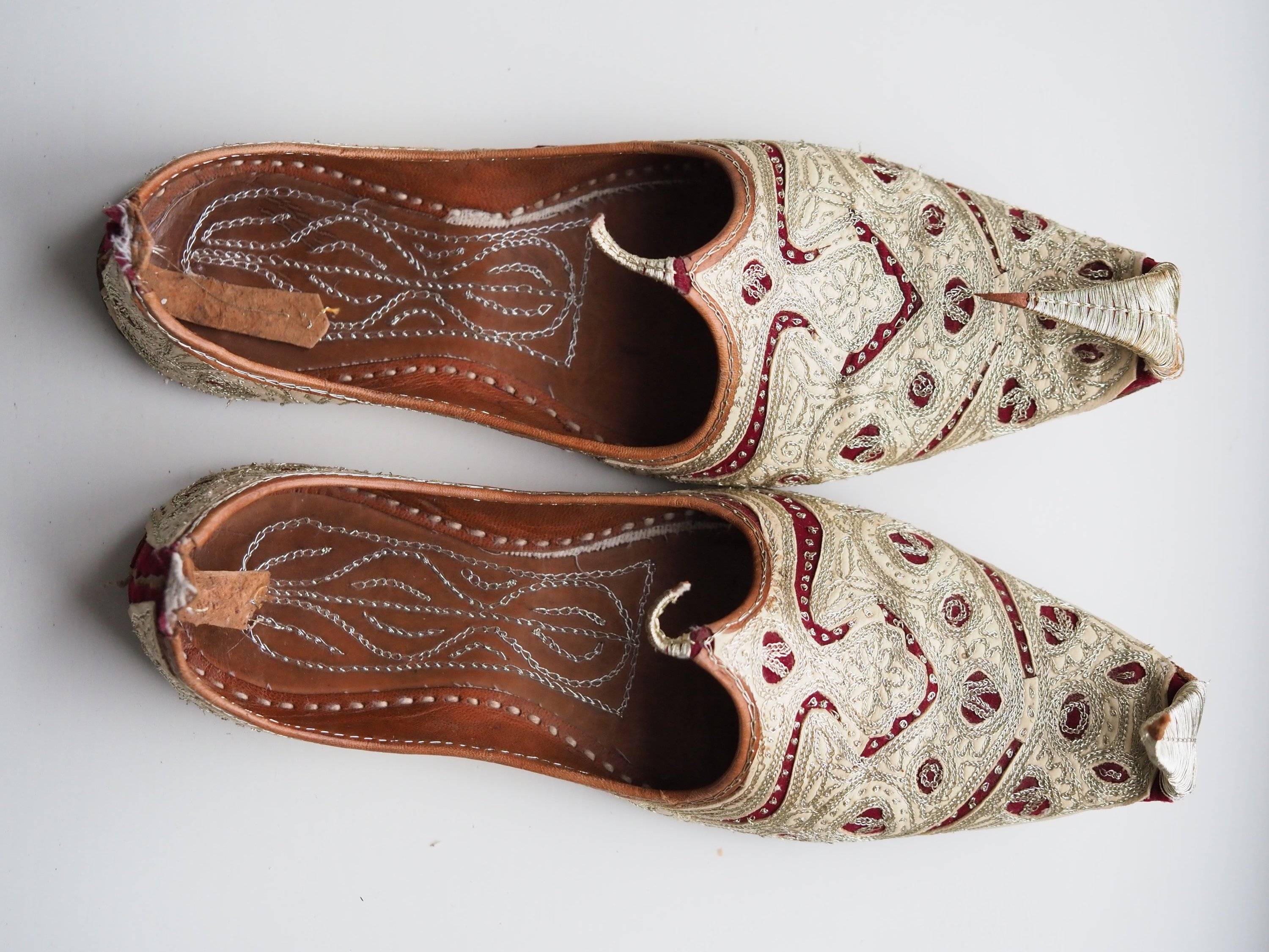 A pair of leather shoes decorated with delicate Turkish embroidery. (Shutterstock Photo)