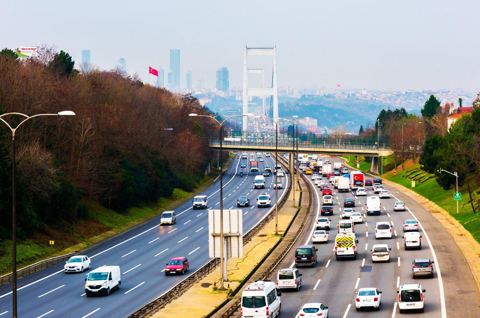 Vehicles seen on a highway connecting the Fatih Sultan Mehmet Bridge, Istanbul, Turkey, Jan. 12, 2021. (Shutterstock Photo)