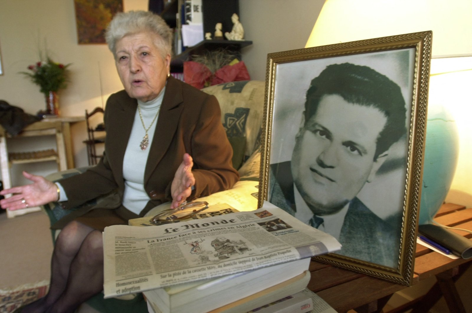 Malika Boumendjel, the widow of Algerian lawyer Ali Boumendjel, gives an interview at her home in Puteaux on her husband's death during his 43-day detention by the French army on March 23, 1957, Puteaux, France, May 5, 2001. (AFP Photo)