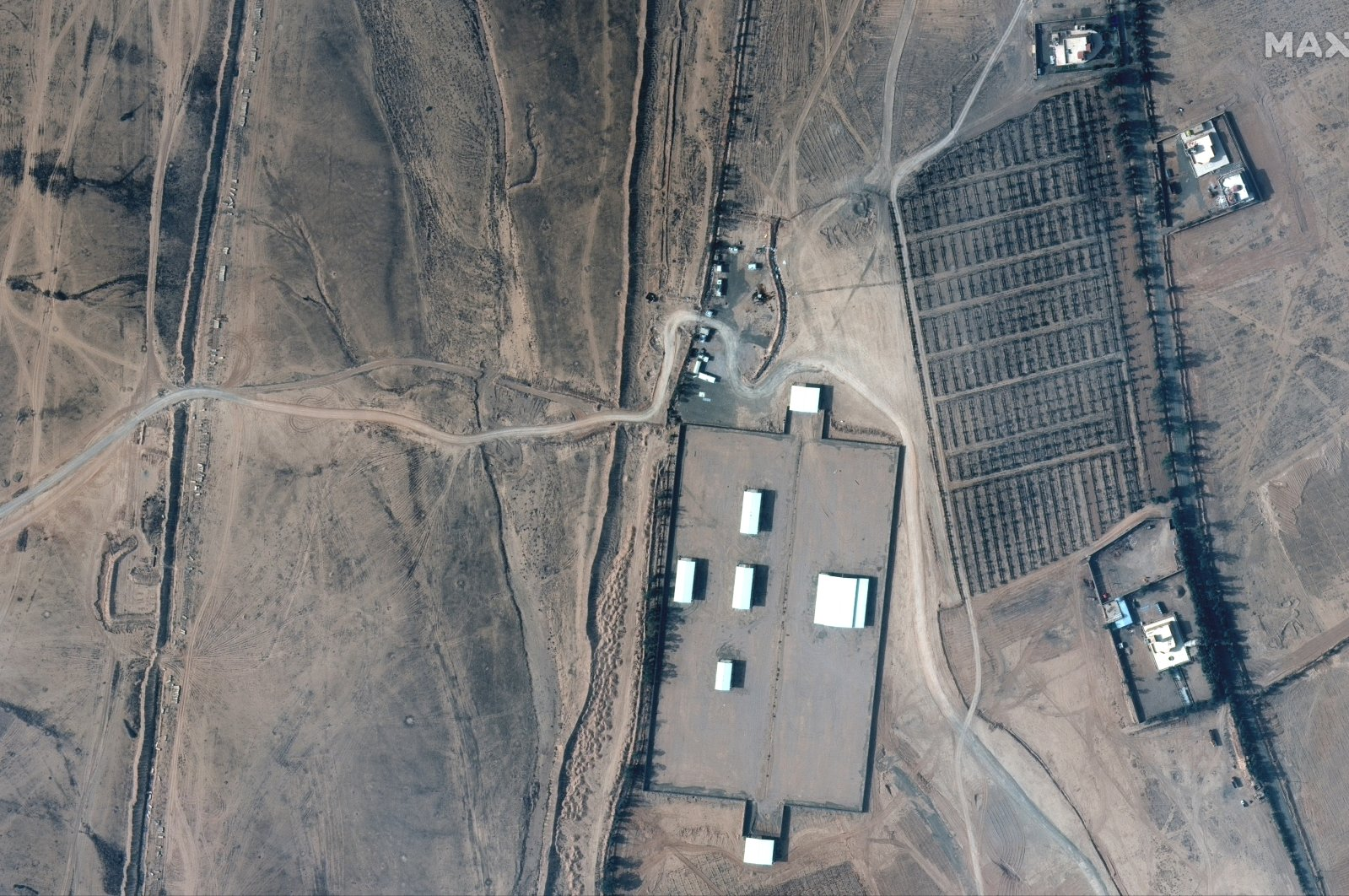 A handout satellite image made available by MAXAR Technologies shows a closer view of the Iraq-Syria border, Feb. 26,  2021. (EPA Photo)