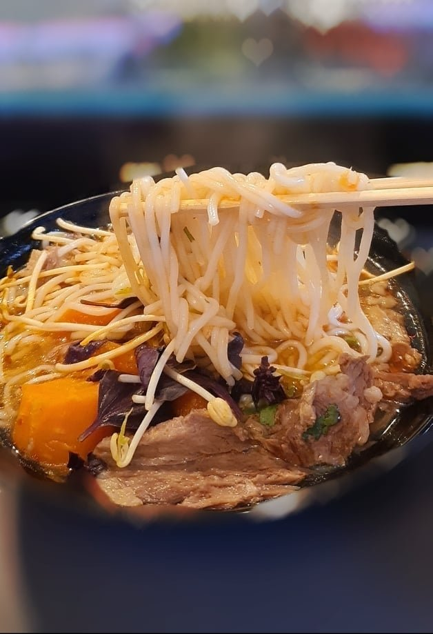 Ginza Ginza serves many Vietnamese and Far Eastern delicacies, including ramen. (Photo courtesy of Ginza Ginza/ Victoria Zhong)