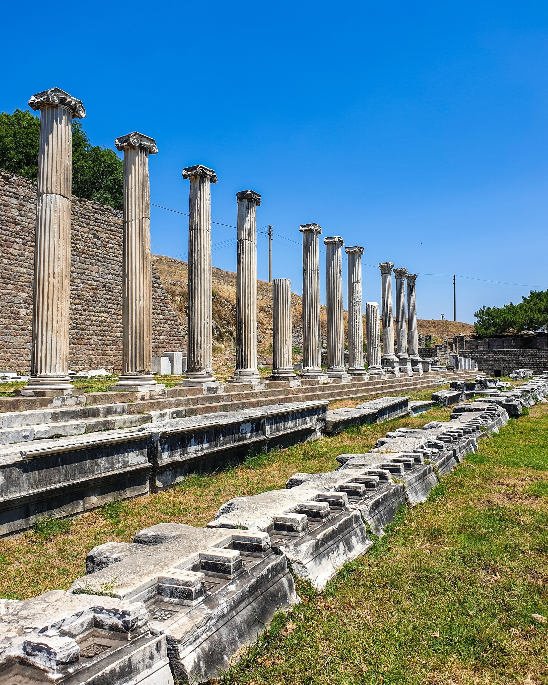 The colonnaded street in front of the Asclepion theater. (Photo by Argun Konuk)