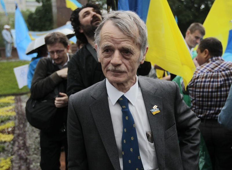 Crimean Tatars leader Mustafa Abdulcemil Kırımoğlu takes part in the mourning rally dedicated to the 70th anniversary of the deportation of the Crimean peoples from the peninsula in Kyiv, Ukraine, May 18, 2014. (AP Photo)