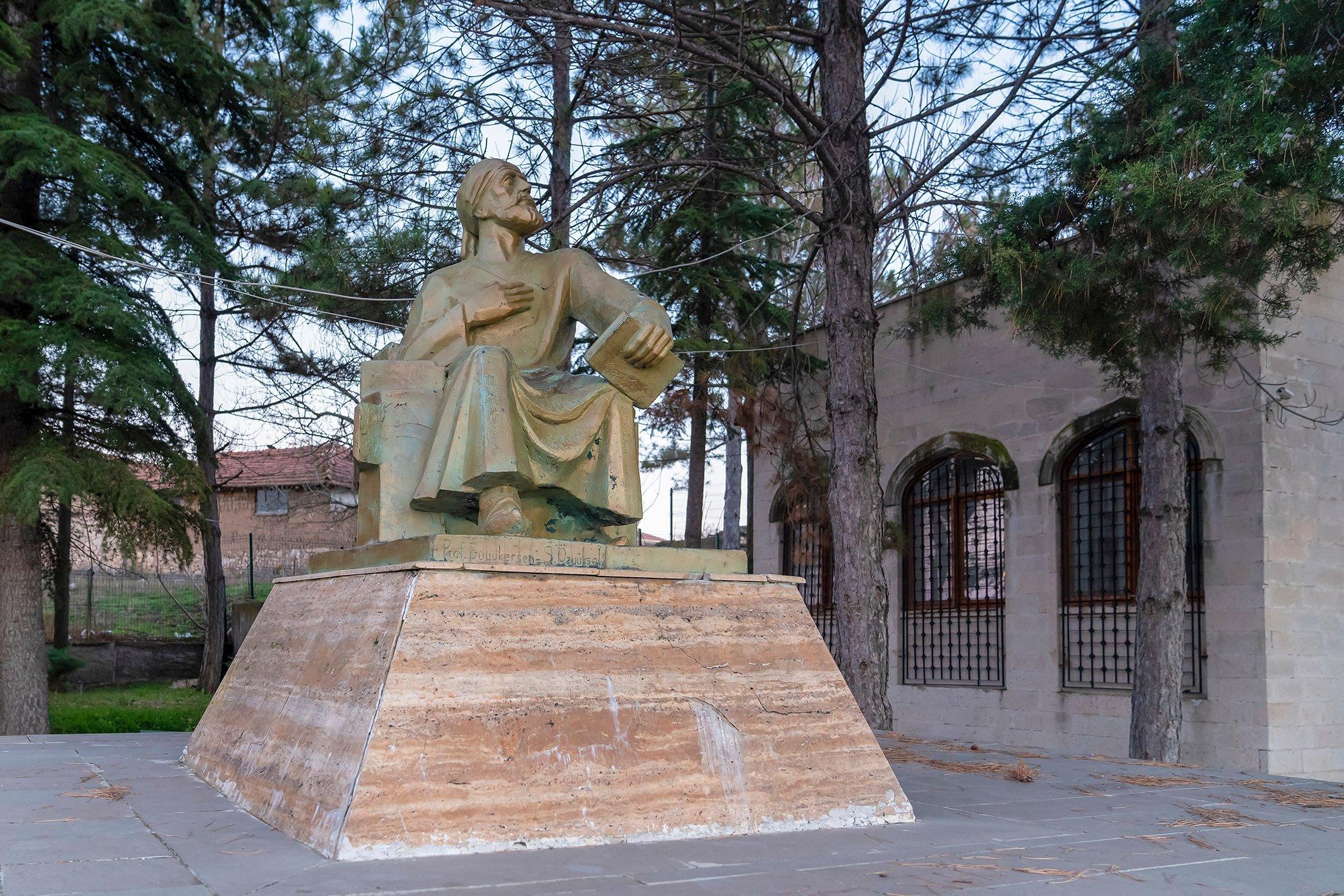 A statue of Yunus Emre in the Yunus Emre Tomb in Eskişehir, northwestern Turkey.  (Shutterstock Photo)