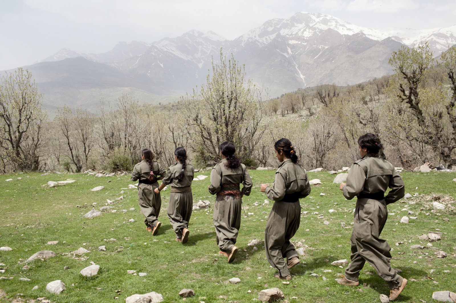 Female PKK terrorists in their camp situated in the mountains on the Iran-Iraq border, April 8, 2012. (Getty Images)