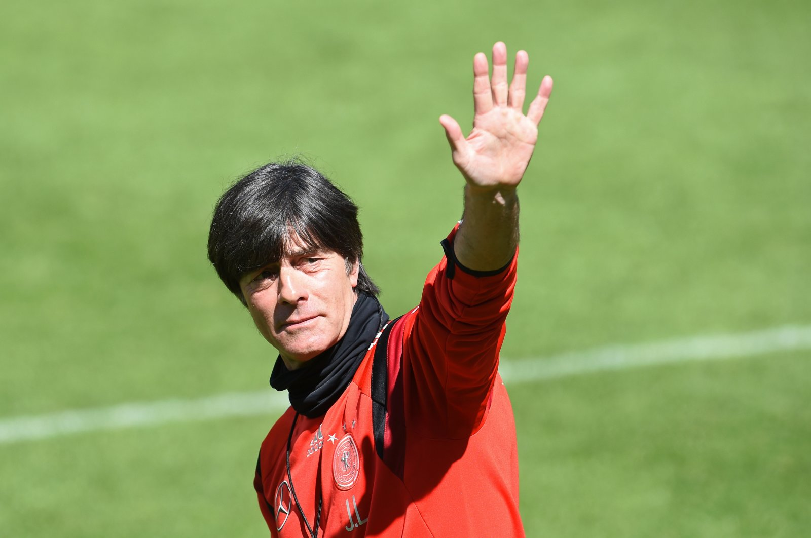 Germany's head coach Joachim Löw waves at fans during a training session at St. Leonhard in Passeier, Italy, May 30, 2014. (EPA Photo)