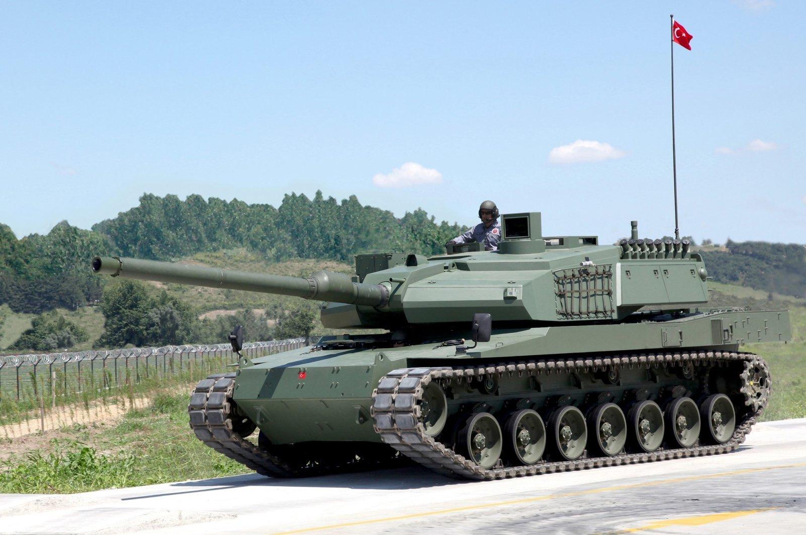 A prototype of Turkey's main battle tank, Altay, Oct. 16, 2012. (AA Photo)