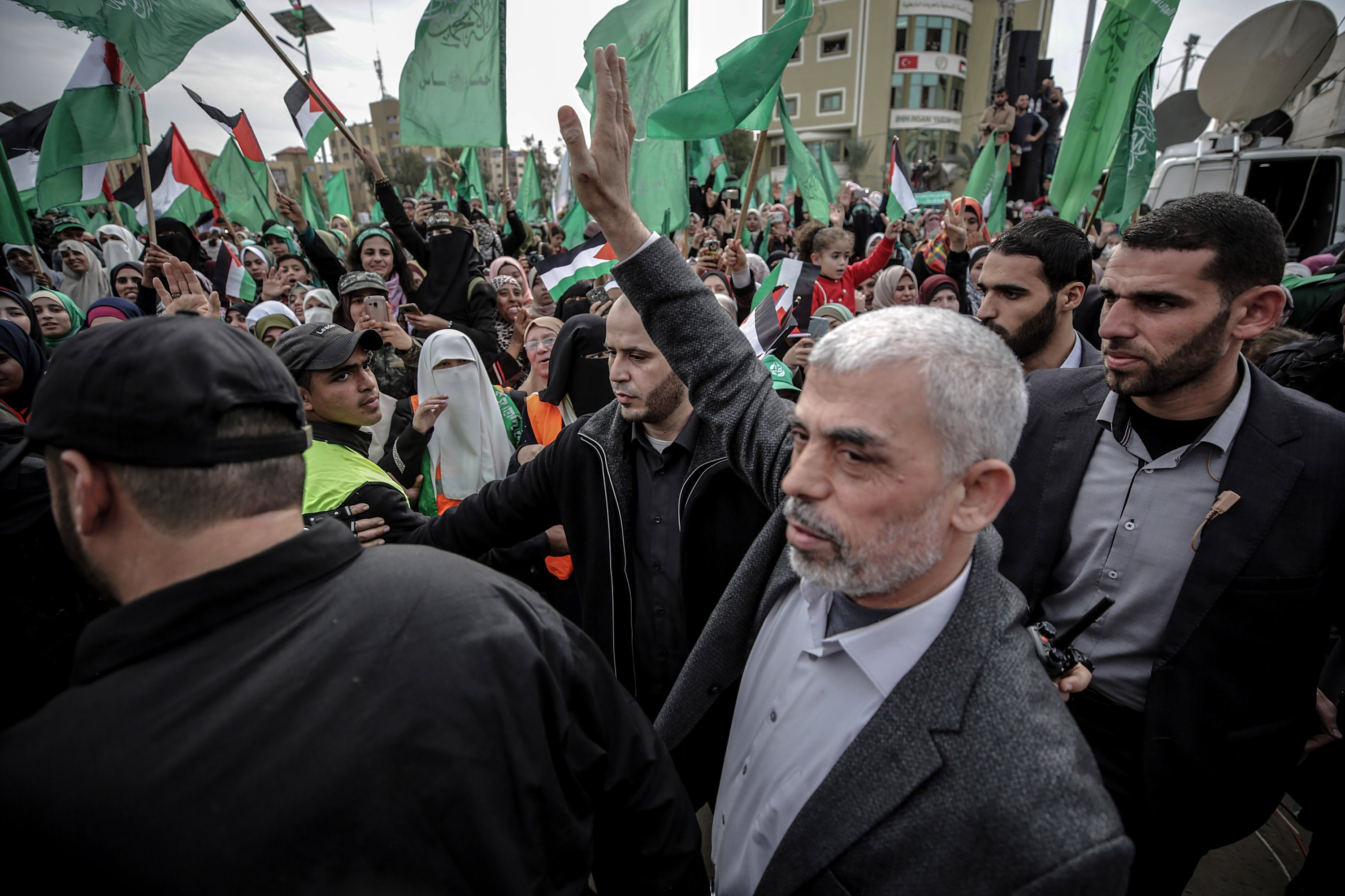 Hamas Gaza leader Yahya Al Sinwar (C) waves to supporters during a Hamas rally to mark the 31st anniversary of the group, in Gaza City, Gaza Strip, Dec. 16, 2018. (EPA Photo)