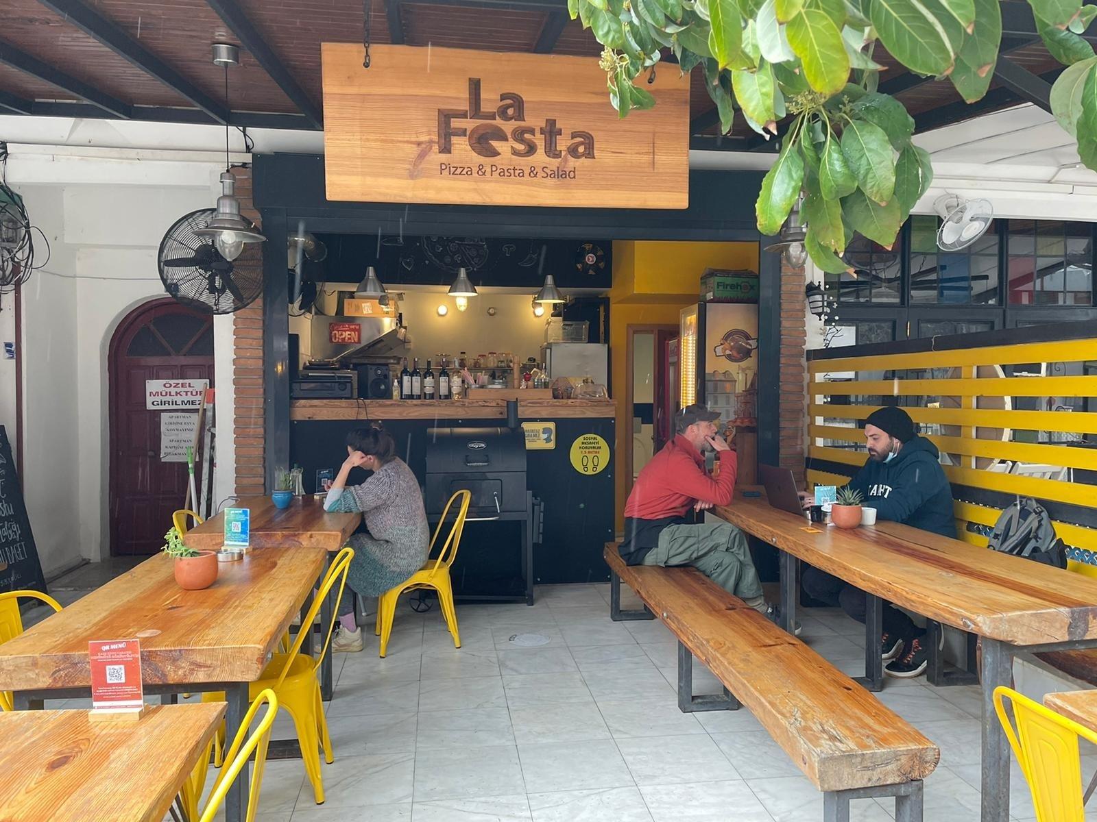 La Festa offers Akyaka locals mouthwatering Italian dishes. (Courtesy of Elçin and Hakan Kılıç)