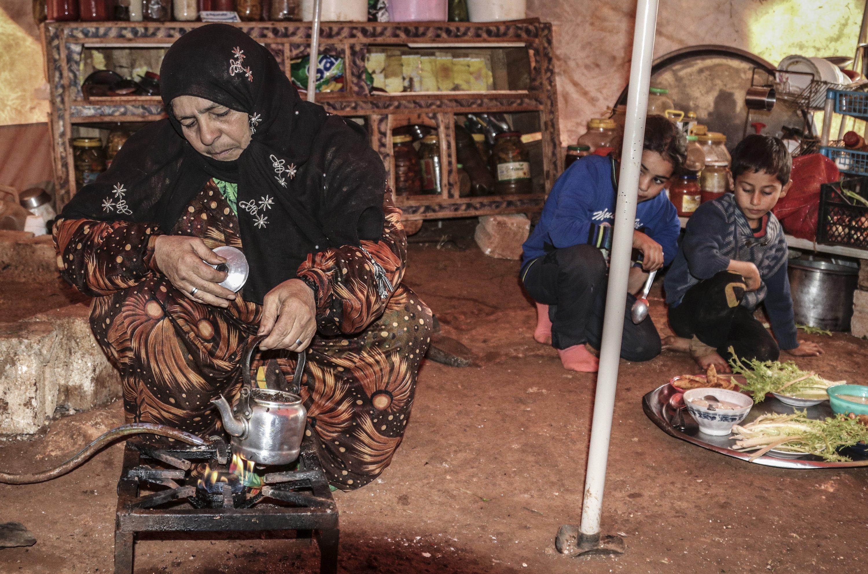 Heyam al-Nehar with her children, Idlib, Syria, March 11, 2021. (AA)