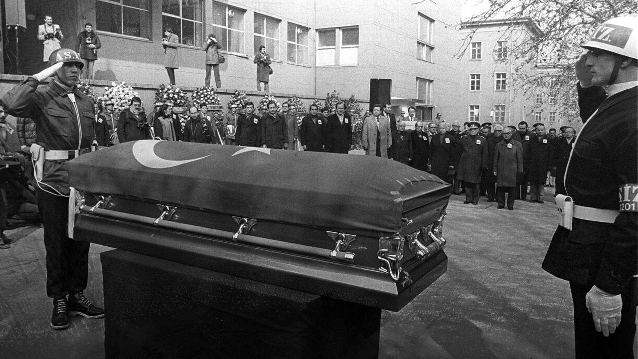 This 1982 file photo shows the funeral ceremony of slain diplomat Kemal Arıkan. (AA Photo)