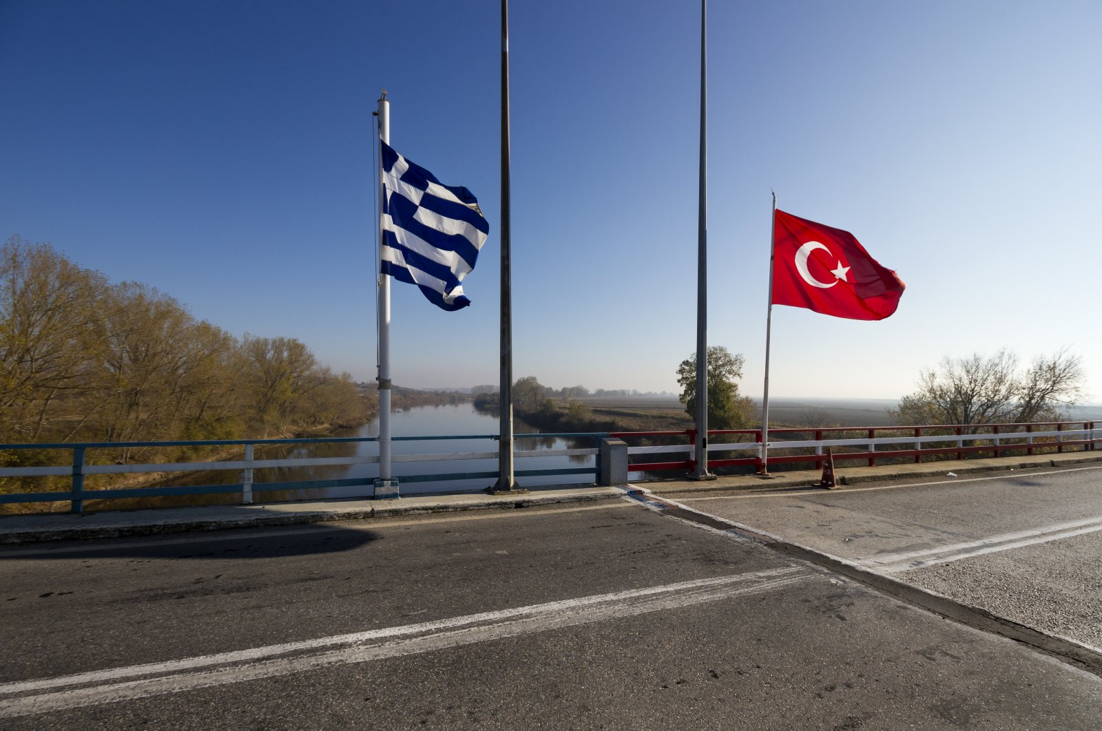 FETÖ members usually prefer the border with Greece to get into Europe, which became a haven for the group after their coup attempt in 2016 in Turkey. (Shutterstock Photo)