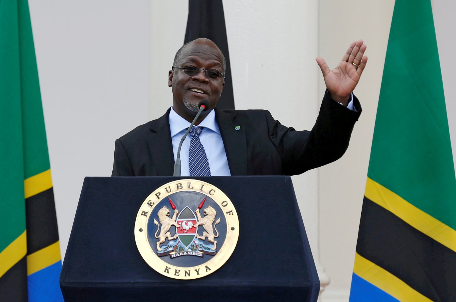 Tanzania's President John Magufuli addresses a news conference during his official visit to Nairobi, Kenya, Oct. 31, 2016. (Reuters File Photo)