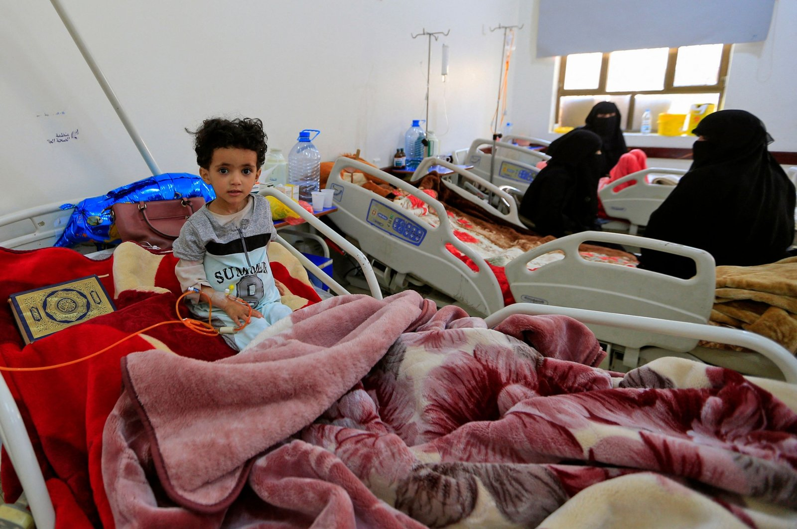 A young Yemeni cancer patient lies in bed as she receives treatment at the National Oncology Centre in the capital Sanaa, Yemen, March 3, 2021. (AFP Photo)