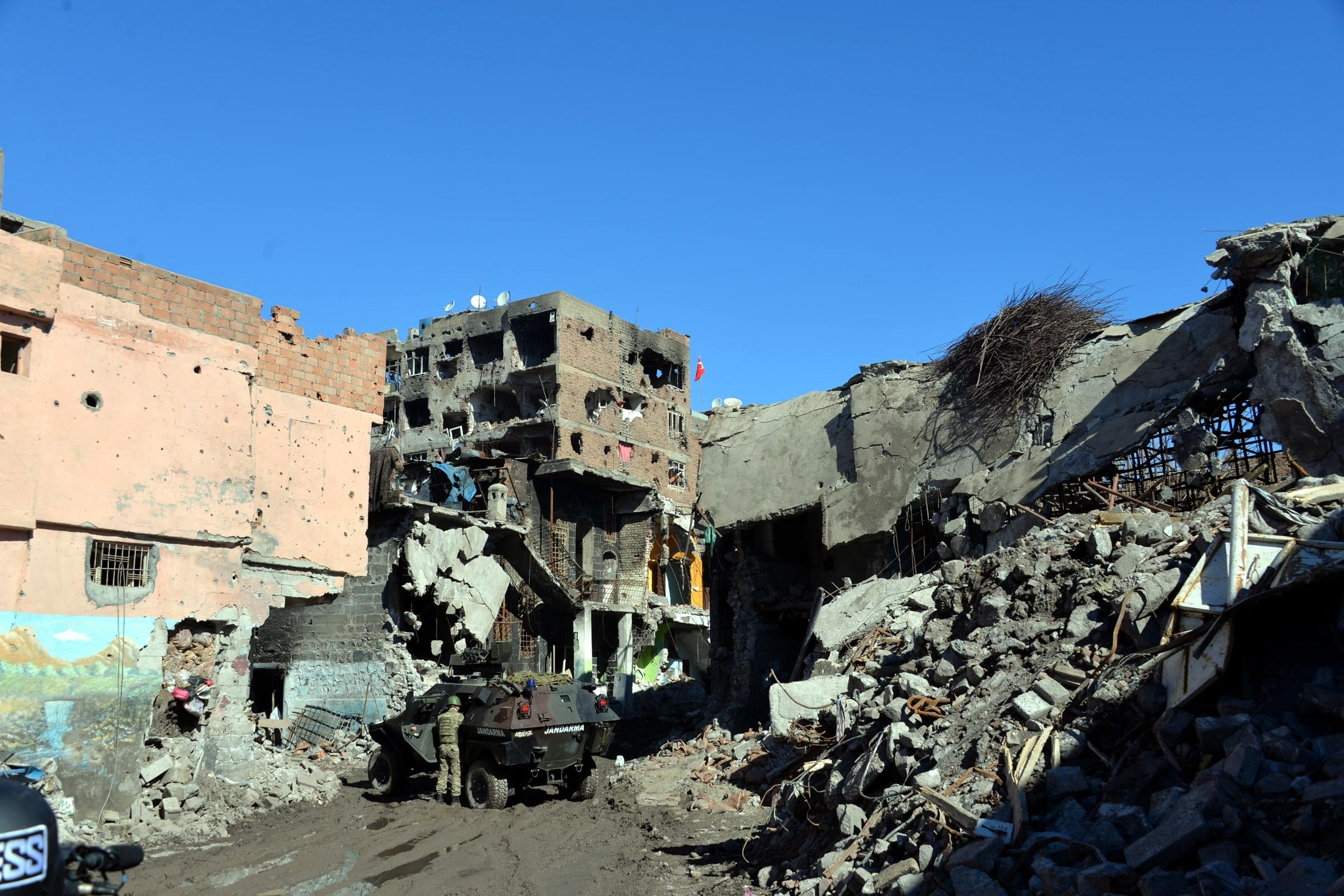 A scene from Diyarbakır's Sur district showing the damage caused by PKK terrorism, Turkey, March 18, 2021. (DHA)